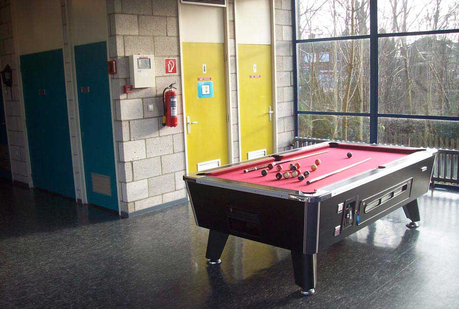 Pool, airhockey & tafeltennis ()